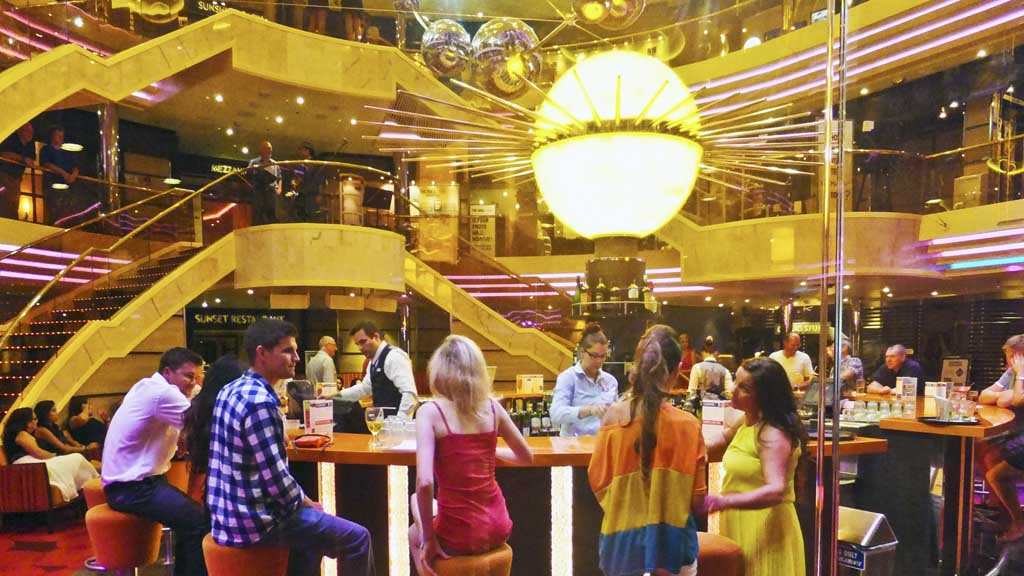 A variety of styles in an evening on Carnival Sunshine